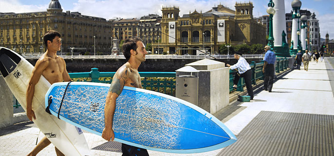 Surfing is one of the stars of San Sebastian